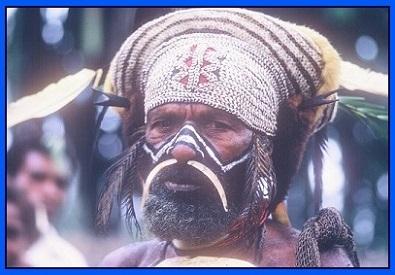 Kewa man ready for a ceremony